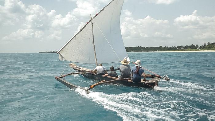 sailing-zanzibar-ngalawa