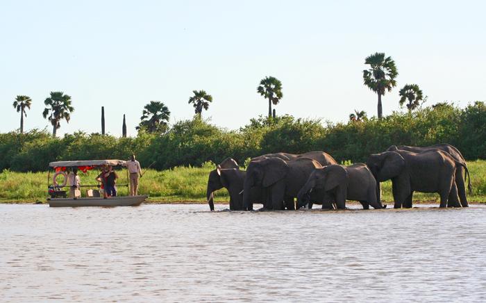 selous-game-reserve-boat-safari