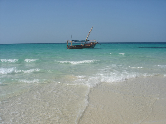 zanzibar-dhow-and-beach