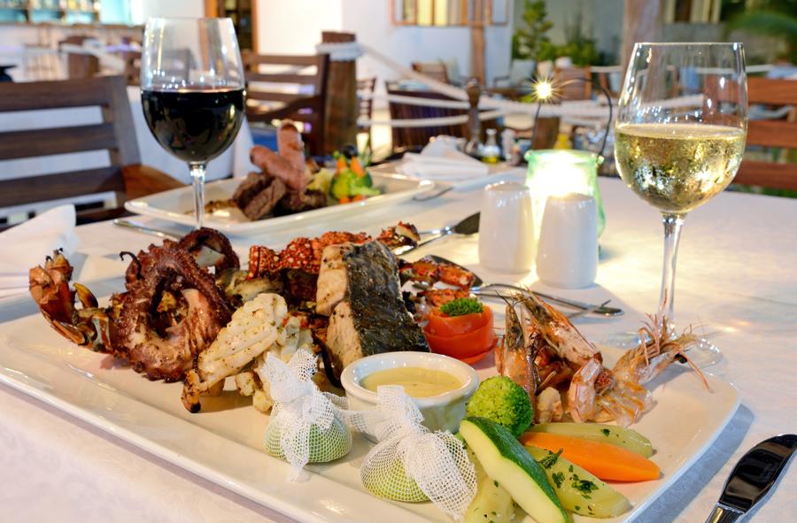 bembe-restaurant-kisiwa-on-the-beach