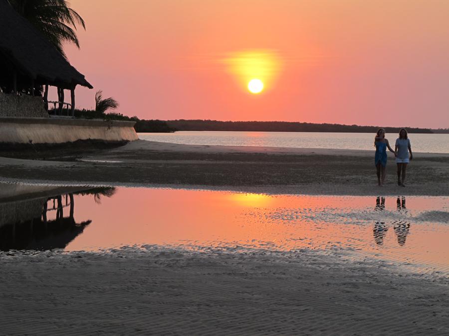 sunset-walk-manda-bay