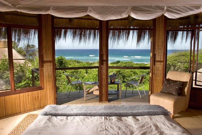 Robinson Crusoe-goes percale at Thonga Beach Lodge © Guy Upfold