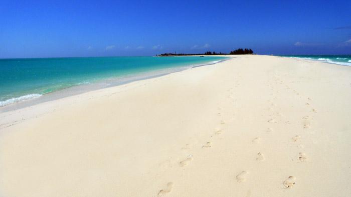Anantara-Medjumbe-beach