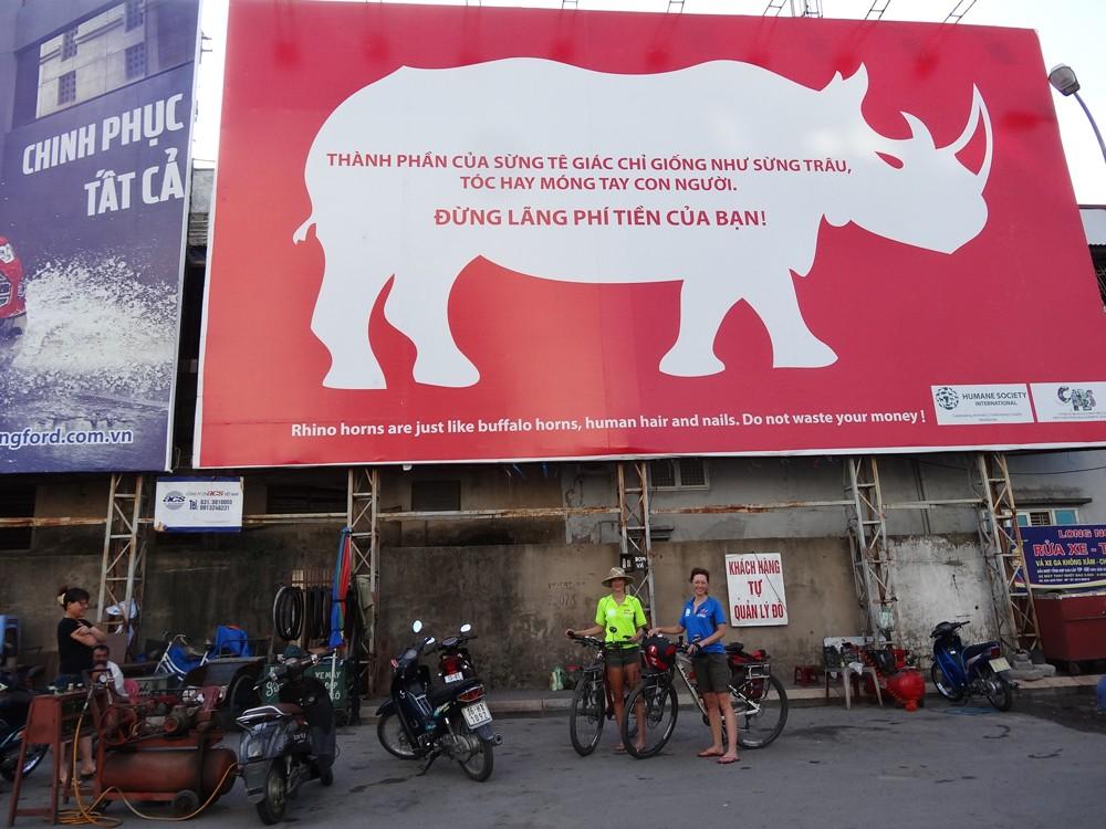 anti-rhino-horn-poster-vietnam