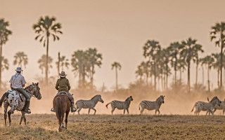 horse-riding-safari