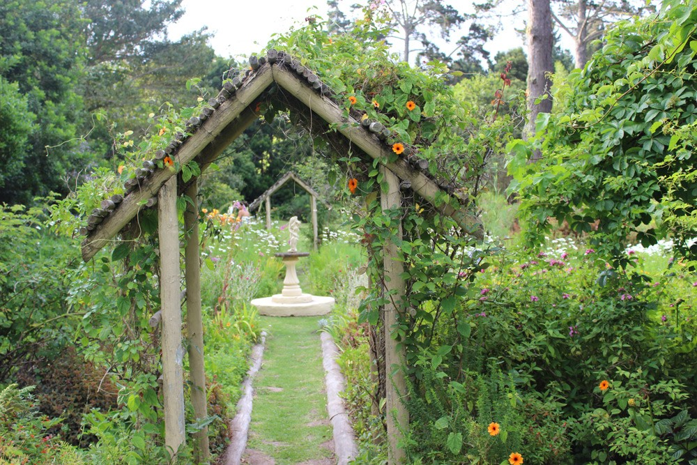 Explore the magical gardens at Hunter's Country House ©David Winch