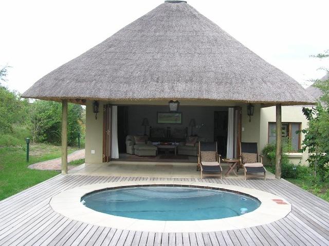 savanna-lodge-suite-destinations-africa