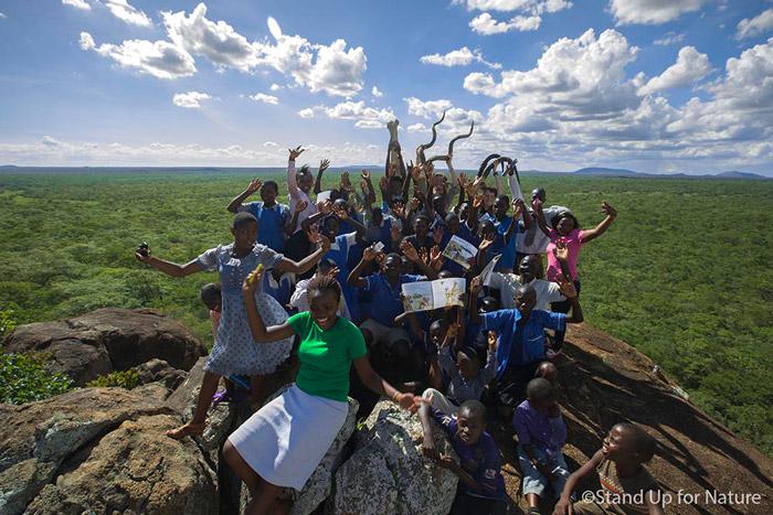 Children-into-malawi-park
