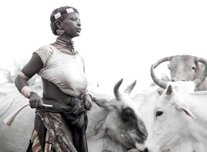 Hamar-woman-herding-cattle-Omo-Valley-Ethiopia