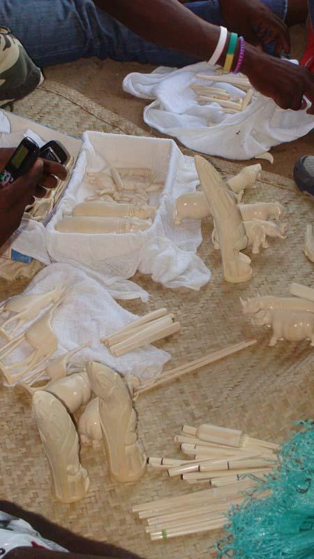 ivory-artefacts-on-sale-pemba