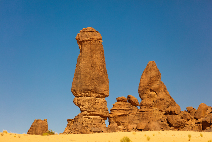 towering-rock-formations-ennedi
