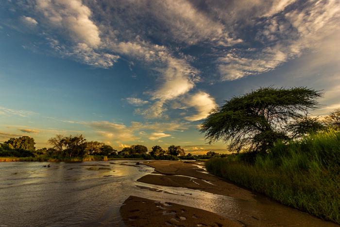 Mdonya-old-river-flowing_byDavidLiebst