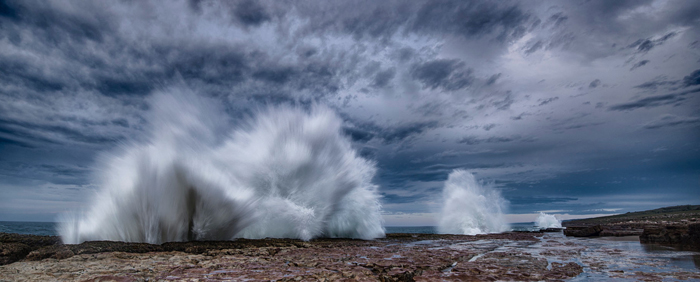 Wild-Coast-splashing-waves