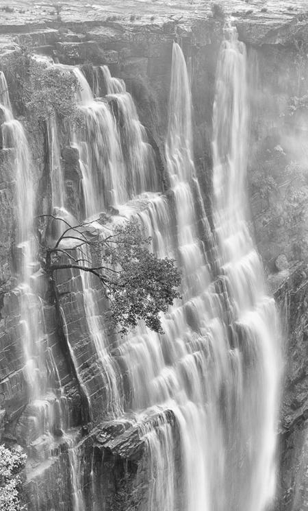 Wild-Coast-waterfall-over-cliff