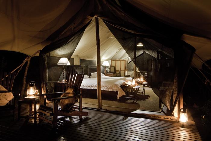 safari-tent-interior-photography-travel