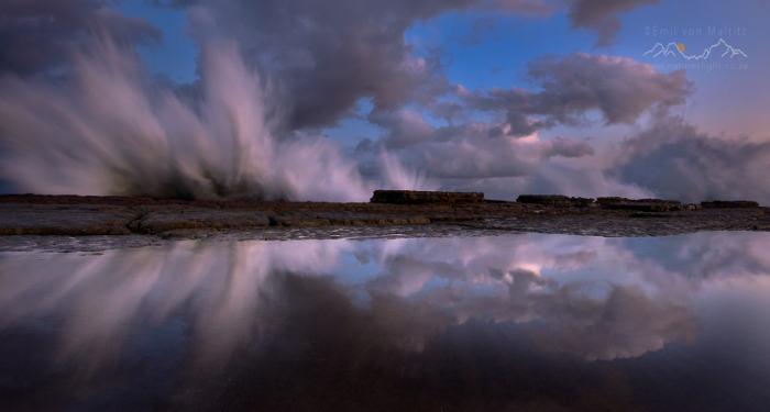 Waves-crashing-against-the-rock-shelf-of-Luphuthana