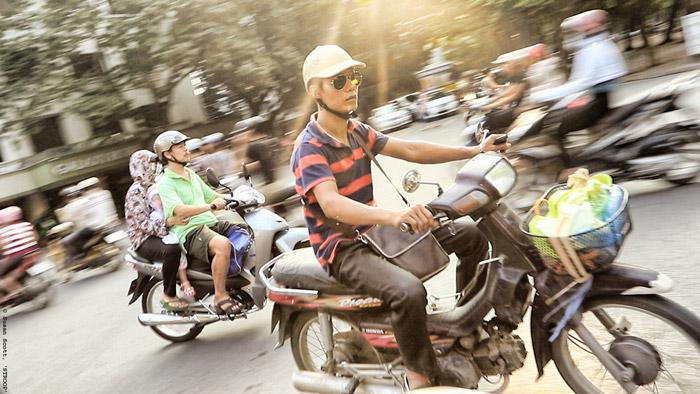 Hanoi's cacophony of motorbikes © Susan Scott for STROOP
