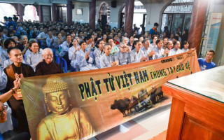 WildAid Vietnam organizes a recent event at a Buddhist pagoda in Vietnam where dharma talks encouraged Buddhist followers to protect the rhino