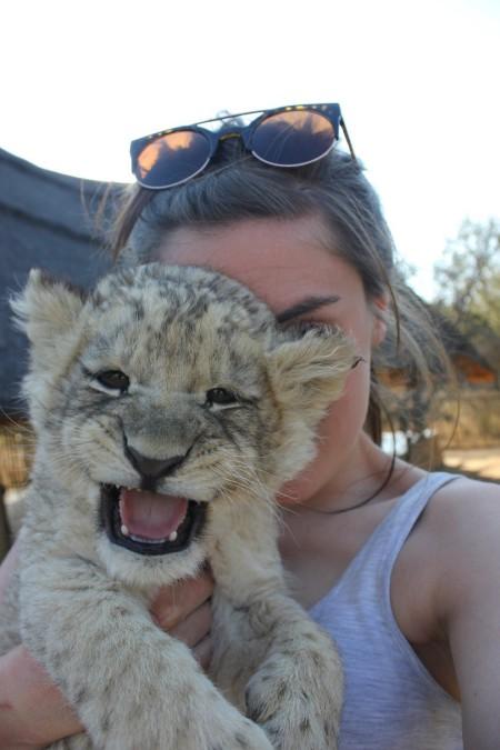 cub-selfie