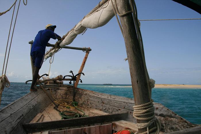 man-on-dhow-Zanzibar