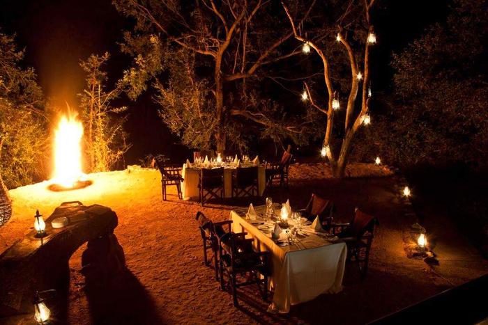 Exclusive-Safari-Lodge-Boma-at-Kruger-National-Park