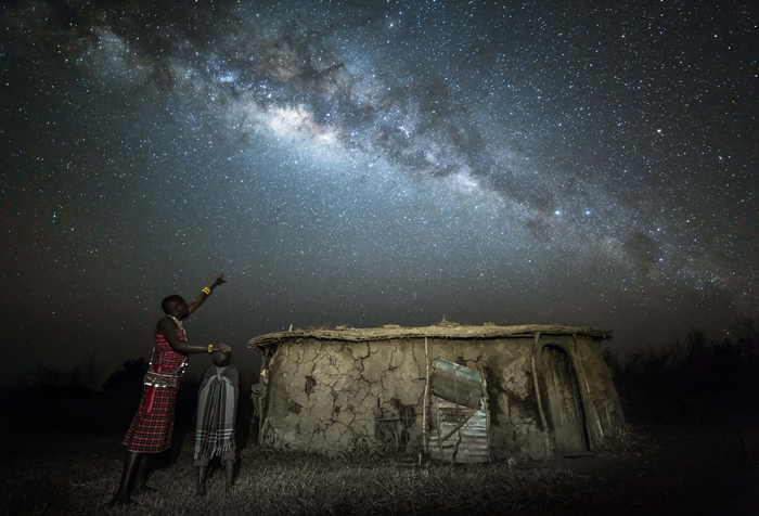 maasai-warrior-teaches-his-son-about-the-stars-robin-stuart-africa-geographic-photographer-year-2016