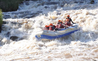 white-water-rafting-rapids-kenya