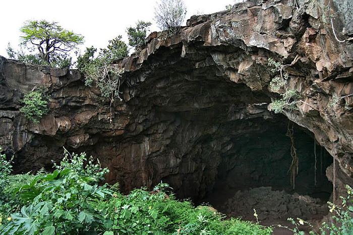 Mount-suswa-caves