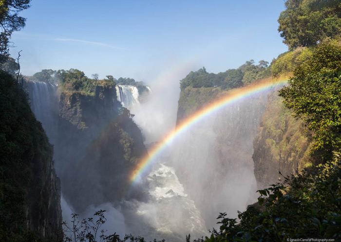 rainbow-victoria-falls