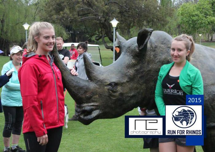 run4rhinos-rhino-statue