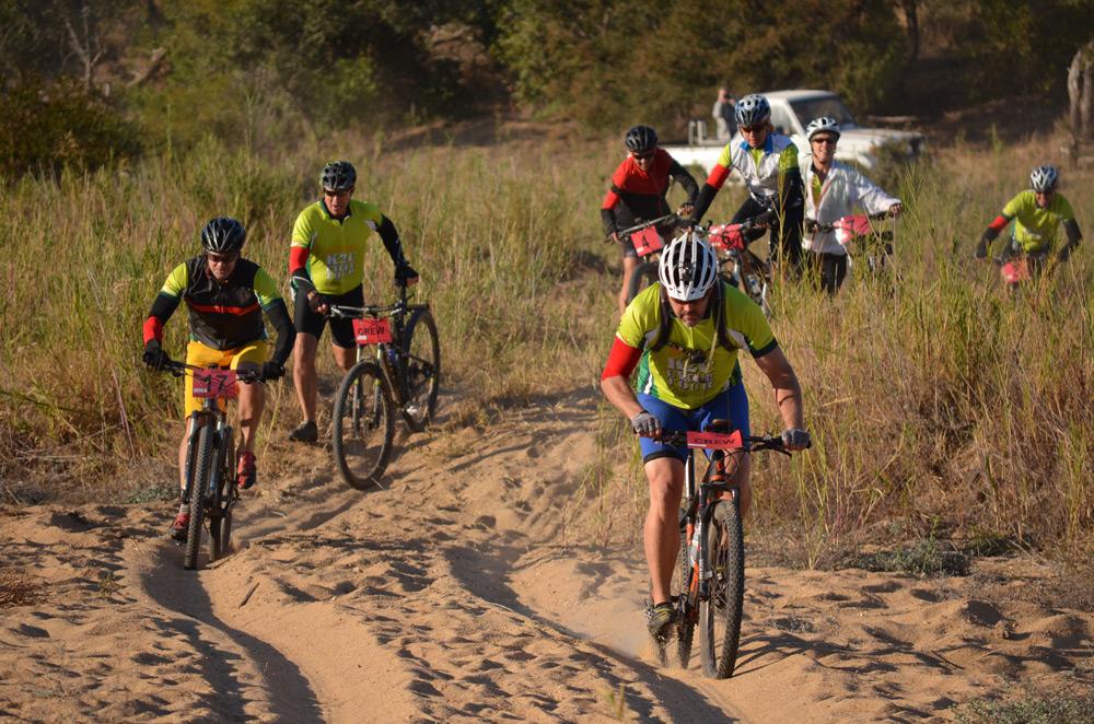 simon-espley-cycling-sand