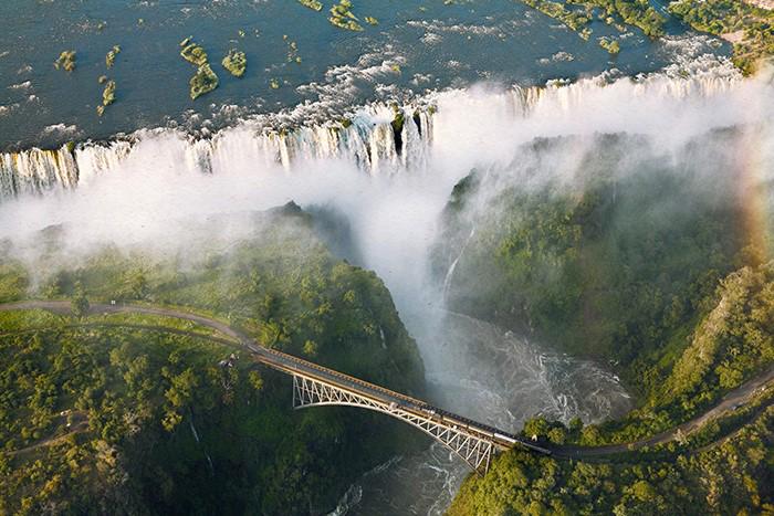 victoria-falls-safari