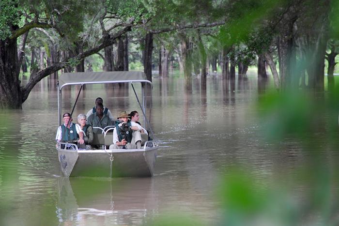 water-safari-on-luangwa-river