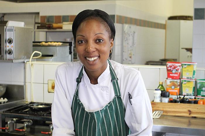 chef-thandeka-nxumalo-in-the-kitchen-pakamisa
