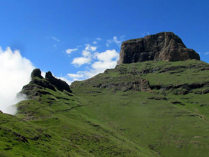 Sentinel Peak, Amphitheater, Drakensberg, South AfricaAmphithea