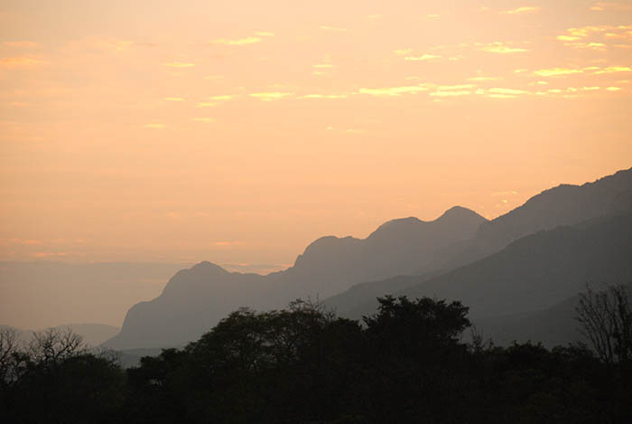 the-picturesque-soutpansberg-mountains-home-to-madi-a-thavha-mountain-lodge-madhi-a-thavha