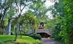victoria-falls-safari-lodge