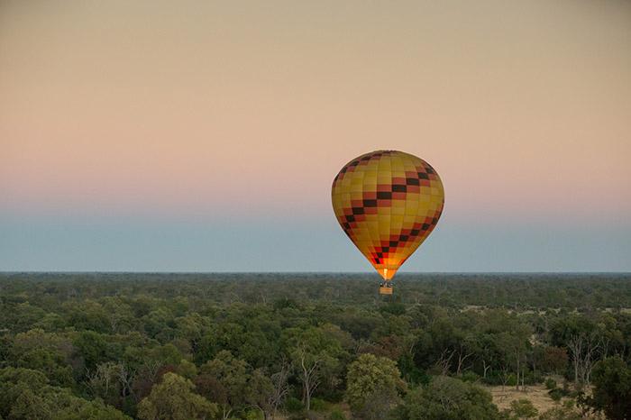 Hot-air-balloon-over-Botswana