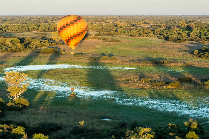 balloon-over-flooded-plains