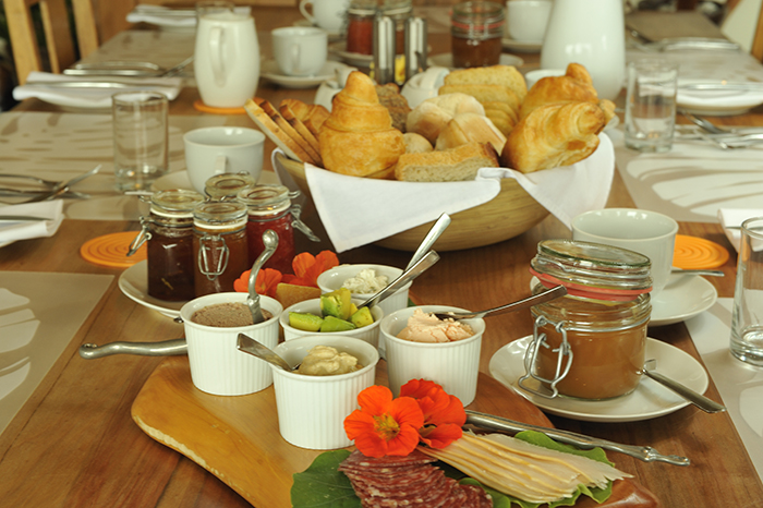 Whalesong Lodge breakfast