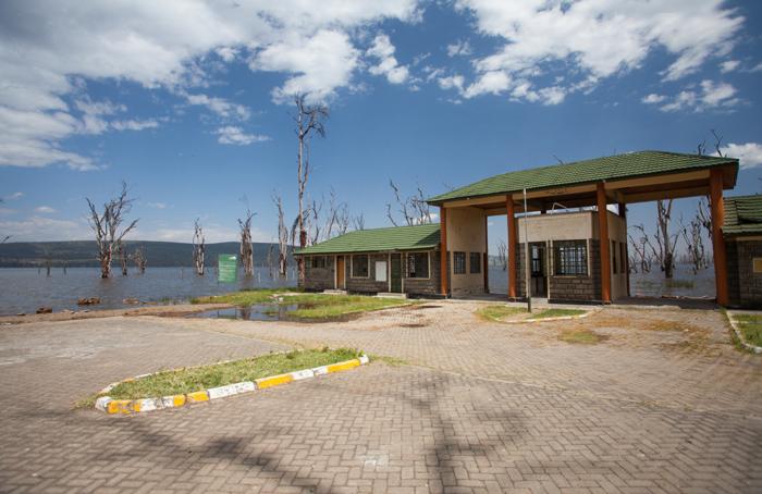 lake-nakuru-entrance