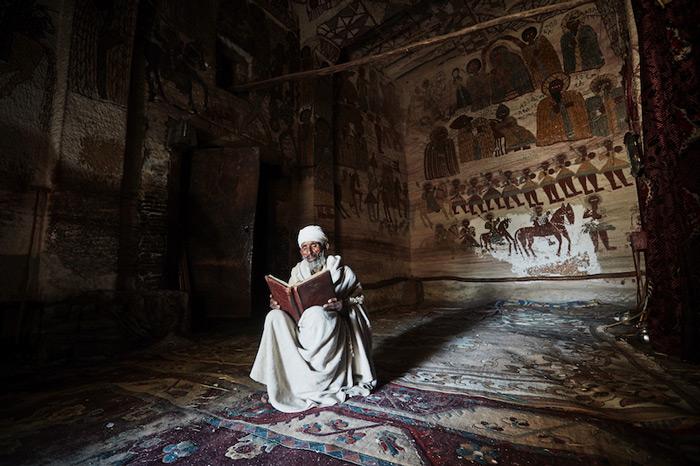 priest-ethiopia