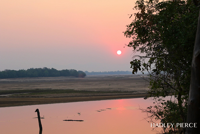sunset-at-the-luangwa-river