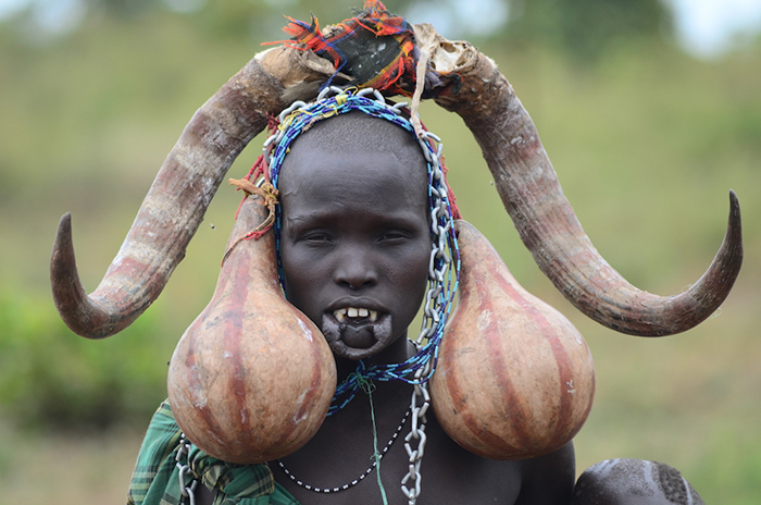 mursi-woman-dressed-up-for-the-donga-stick-fighting-ceremony