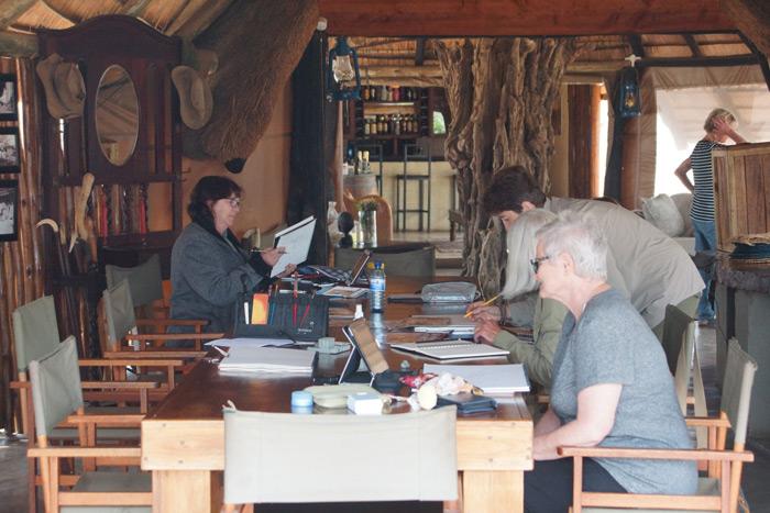 art-on-safari-back-at-lodge