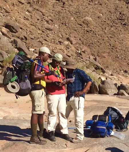 fish-river-canyon-hikers