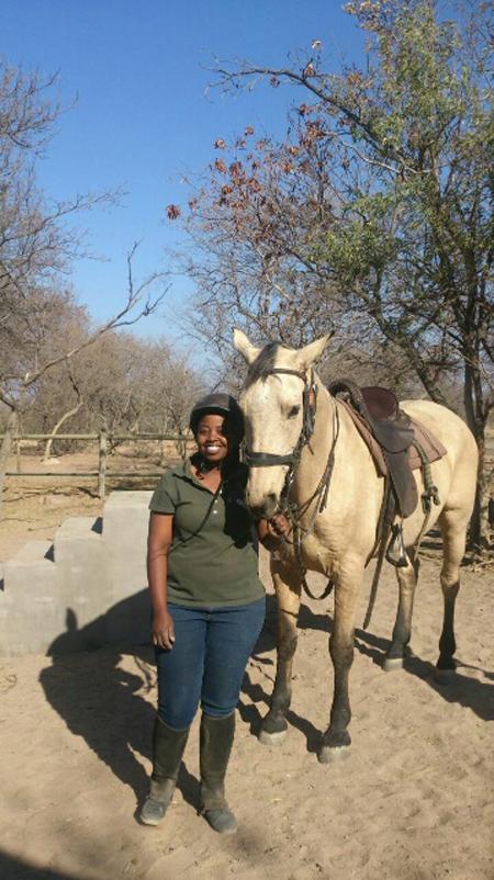 horseback-safari-guide-and-horse