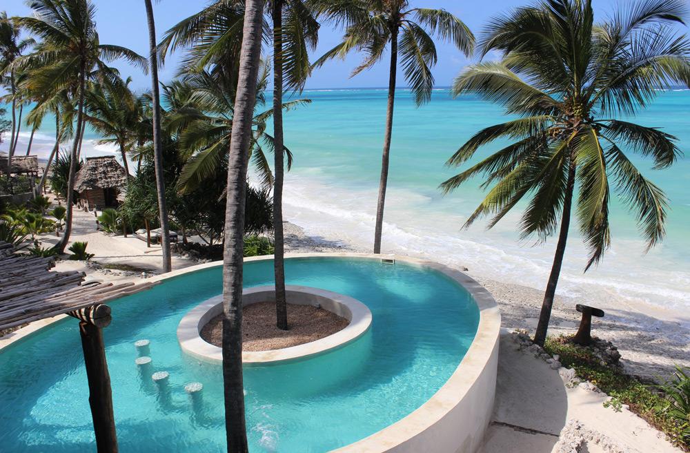 swimming-pool-hotel-matlai