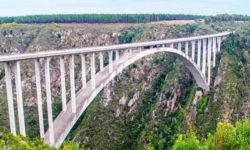 bungee-jump-tsitsikamma-garden-route-africageo