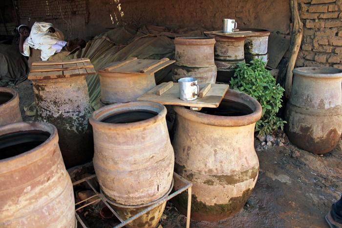 making-pottery-sudan